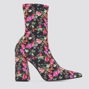 New Steve Madden Lombard Floral Ankle Bootie